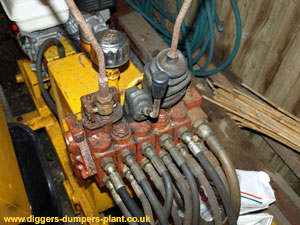 Digger spares hydraulic repairs excavator parts dumper for Hydraulic motor repair near me